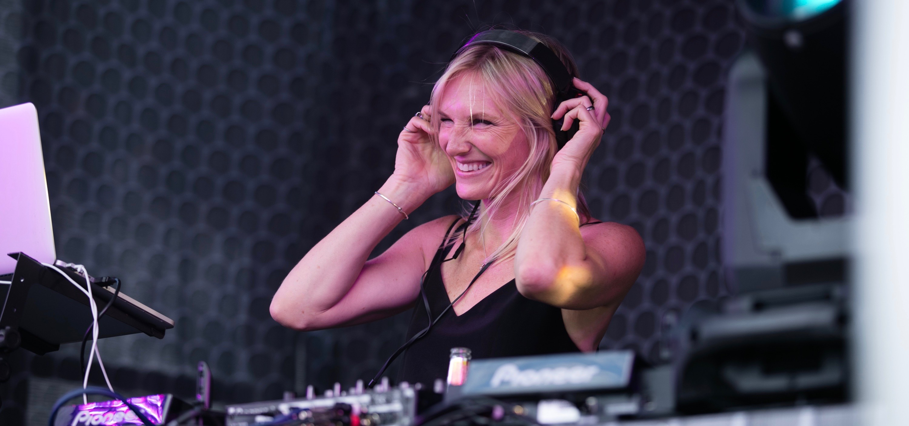 Union Artists Music Management - Artist - Jo Whiley
